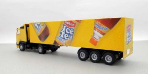 Ice Tea Truck met trailer - Lion Toys 1:50