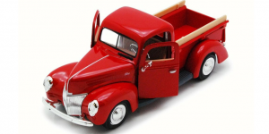 1940 Ford Pickup 1:24 (Rood)