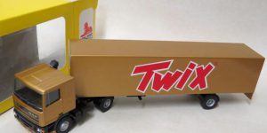 Twix DAF Truck met trailer - Lion Toys 1:50