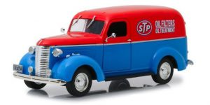 STP Oil 1939 Chevrolet Panel Truck - Greenlight 1:24