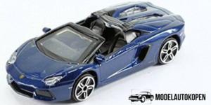 Lamborghini Aventador LP700-4 Roadster Blauw