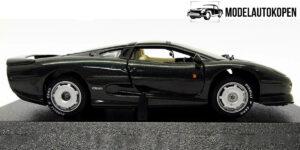 Jaguar XJ 220 1:43 Maisto (zwart) (11 cm)