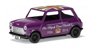 Austin Mini 90th Birthday of Queen Elizabeth II - Corgi 1:36 (Paars)