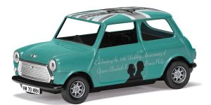 Austin Mini 90th Birthday of Queen Elizabeth II - Corgi 1:36 (Groen)