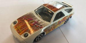 Porsche 928 S4 (wit) - Bburago 1:43