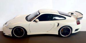 Porsche 911 Turbo Wit - Hotwheels 1:18