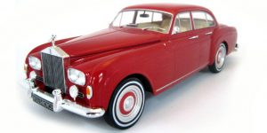 Rolls Royce Silver Cloud III Flying Spur Red - Model Car Group 1:18