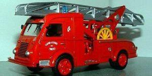 EP Renault 2TS Gugumus 1957 - del Prado 1:57