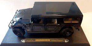 Hummer 4-door wagon zwart - Maisto 1:18