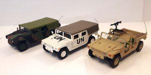 Aanbieding - Drie Hummer auto's 1:72
