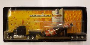 Vrachtauto Hohenfelder, Pilsener met fles op trailer - 1:87