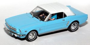 Ford Mustang Convertible Thunderball 007 - Universal Hobbies 1:43