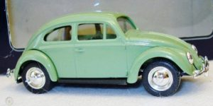 Days Gone 1952 VW Beatle (Green) - LLedo 1:43