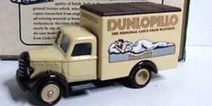 Days Gone 1955 Bedford 30 CWT Dunlopillo - LLedo 1:43