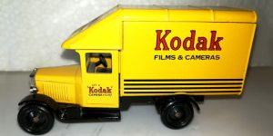 Days Gone 1935 Morris Parcels Van Kodak 1:43