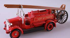 Days Gone 1934 Dennis Fire Engine - Lledo 1:43
