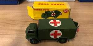 Dinky Toys 626 military ambulance