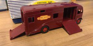 dinky supertoys 981 horse box