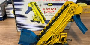 Dinky supertoys 964 elevator loader