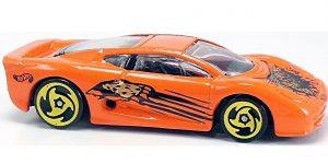 Wild Cat Attack! Street Beast Series - Hot Wheels 1:64