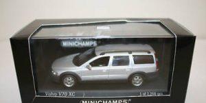Volvo V70 XC, Silver metallic - MiniChamps 1:43