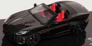 Jaguar F-Type V8-5 Convertible (Zwart) - IXO 1:43