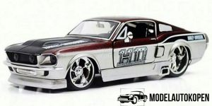 Ford Mustang GT (Zilver/Rood) 1:24 Maisto