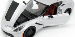 Corvette Stingray (Zilver) 1:24 Maisto Design