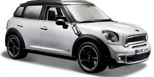 MINI Countryman (Zilver) 1:24 Maisto