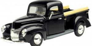 Ford Pickup (Zwart) 1:24 Motor Max