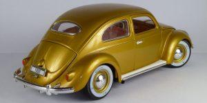 Volkswagen Käfer-Beetle 1955 (Goud) 1/18 Bburago