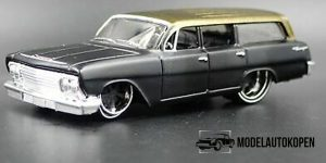 Chevrolet Biscayne Wagon 1962 1:64 Bburago