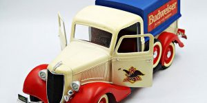 Budweiser Prestige Pick-Up 1:18 (Collector's Edition)