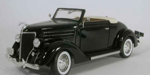 Ford Deluxe Cabriolet (Zwart) 1/18 Welly