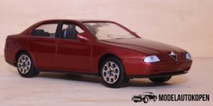Alfa Romeo 166 Rood