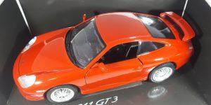 Porsche 911 GT 3 Rood 118 Dealermodel