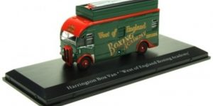 Harrington Box Van (Groen) 1/76 Atlas