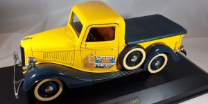 "1936 Ford Pick-Up Truck ""Sunlight Soap"" 1/18 Showcase Model"