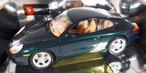 """1997 Porsche 911 """"Bijenkorf Collectie"""" Donkergroen 1/18 Bburago"""