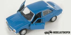 1975 Peugeot 504 Blauw 1/34 Welly