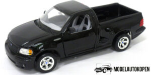 Ford SVT F150 Lightning (1999 Zwart) 1/21 Bburago