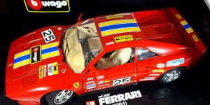 Ferrari GTO 1984 (Rood) 1/18 Bburago