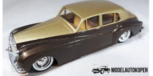 Rolls Royce Silver Cloud (Bruin)