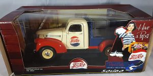 Chevrolet Pick-Up 1946 Pepsi-Cola (Rood/Wit/Blauw) 1/18 Solido