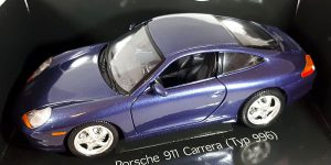 Porsche 911 Carrera (Paars) 1/18 Bburago