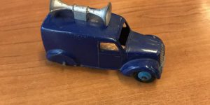Dinky Toys 34C Loud Speaker Van