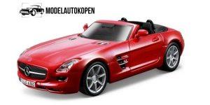 Mercedes-Benz SLS AMG Roadster (Rood) 1/32 Bburago