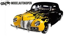 1940 Ford Deluxe Yellow Flame (Zwart) 1/18 Motor Max