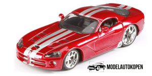 Dodge Viper SRT 10 (Rood) 1/32 Bburago