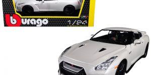 Nissan GT-R 2017 (Wit/Zwart) 1:24 Bburago